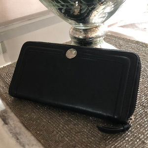 Coach Black Leather Accordian Wallet
